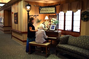 Photo-pt-playing-piano-on-Lane_600x400